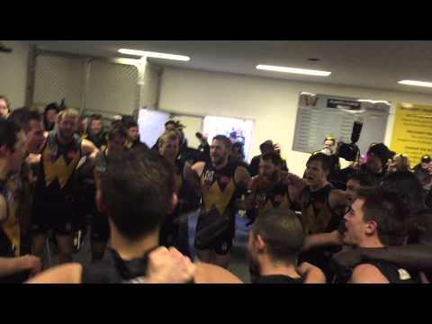 Rd 15 v Box Hill - Players Sing the Song