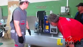 Компания КРАФТМАРКЕТ24 запускает компрессор Ceccato CSL на площадке у заказчика, данный компрессор производит воздух круглосуточно для производства электрооборудования.