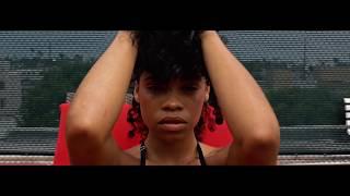 Geko - Looking At Me (Official Video)