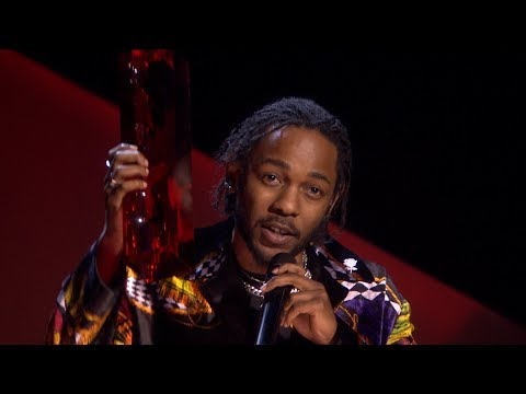 Kendrick Lamar wins International Male Solo Artist | The BRIT Awards 2018