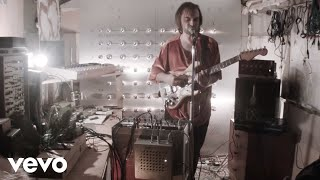 LA Priest - What Moves (Live From The Shed)