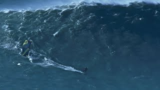 The Worlds Biggest Waves at Nazare/Portugal kitesurfed by Jesse Richman