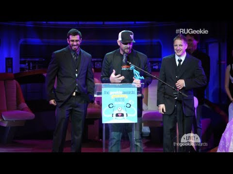 The Geekie Awards 2013: The Nerd Machine Wins 'Best Website' with Richard Hatch, Winner Twins