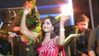Teri Ore Shreya Ghoshal Live (Singh is Kingg)