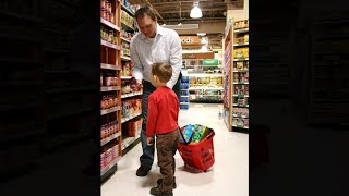dad helps kid steal, gets away with it..
