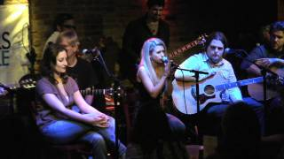 """Samantha Gongol: """"Mirror"""" Live at The Bitter End, New York Songwriter's Circle"""