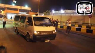 أهل مصر | لحظة وصول جثمان المذيع الشاب quotعمرو سميرquot الي مطار القاهرة ...