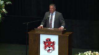Bruce Pearl speaks at Rod Bramblett's funeral