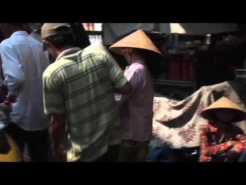 Vietnam - Mekong Delta - Marktbesuch an Land