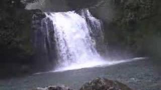 Descente d'une cascade en hydrospeed