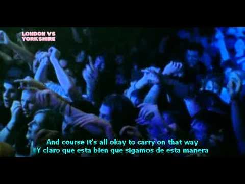 Arctic Monkeys - A Certain Romance ( live) SUB.