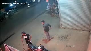 2 nhóm thanh niên cầm mã tấu chém kinh hoàng trong đêm