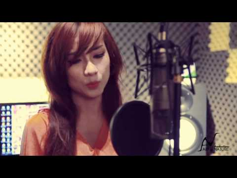 Baixar what are words(acoustic cover) by Thai Tuyet Tram + guitar Mr.Quyen