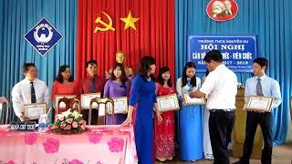 Lễ trao tặng phần thưởng cho thầy cô đạt GVG và Chiến sĩ thi đua, năm học 2016-2017
