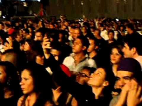 Wisin & Yandel Mayor Que Yo y Noche De Entierro En Vivo en Guatemala.AVI