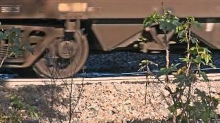 Coal train passes over broken rail part 2 - Trains and Railways in Australia - PoathTV