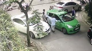 Hai tài xế cầm gạch đánh nhau đổ máu | VUA TV