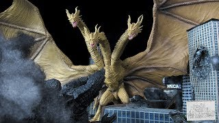 SH MonsterArts King Ghidorah 2019 - Godzilla King Of The Monsters Kaiju Figure Review