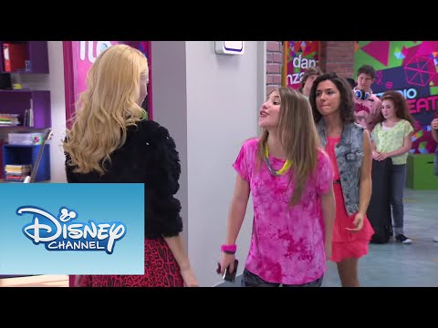 Violetta: Elena Canta ¨Destinada A Brillar¨ (Ep 52 Temp 2) - Smashpipe Entertainment