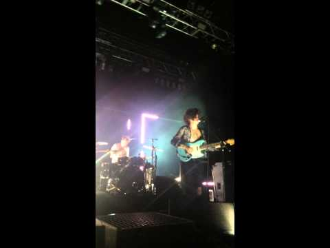 Matty Healy crying during You - the 1975 live @ house of blues Boston 12/6/14