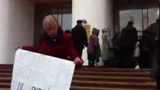 Protest la Parlament cu ocazia zilei ușilor deschise