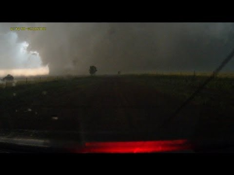 Escaping the largest EF5 tornado in history - El Reno, OK - full dashcam sequence
