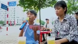Hai Chị Em Đi Hát Rong Ca Bolero Khiến Ca Sỹ Cũng Phải Lể Phục - Hương Tóc Mạ Non - Nhật Long