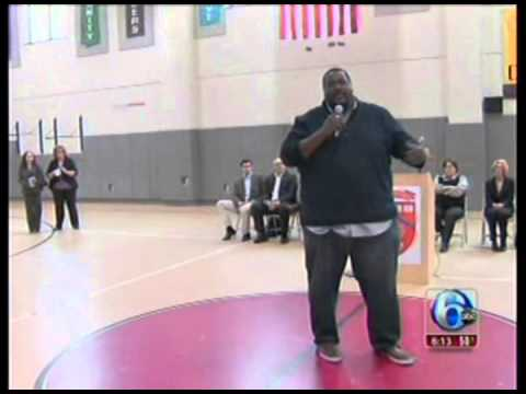 Quinton Aaron visits the LEAP Academy - YouTube