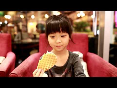 喬喬吃冰淇淋的好笑反應:喔齁齁齁~ 好冰! XD