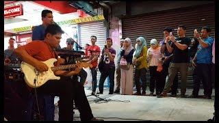 sayu penonton dengar Azmi caliph buskers nyanyi lagu,REDHA(IRFAN HARIS)