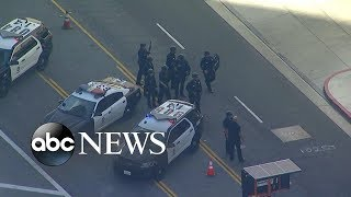 Police search LA mall for reported gunman