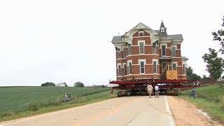 Thần đèn Di chuyển tòa nhà nặng hơn 6000 tấn đi một chặng dài - Thật không thể tin nổi