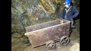 Exploring a well hidden abandoned Cornish Tin mine, full of artefacts.