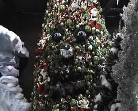 Animatronics Christmas Tree as a Part of Christmas Decoration from KD Decoratives