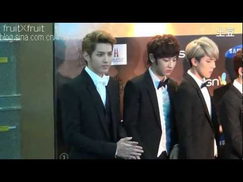 [Fancam] 130115 GDA Red Carpet - Kris speak English