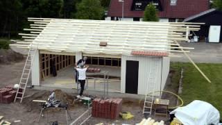 Bygga garage på fem minuter.