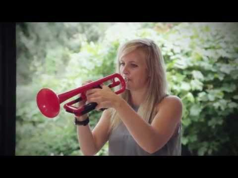 Alison Balsom, international soloist discovers pTrumpet for the first time