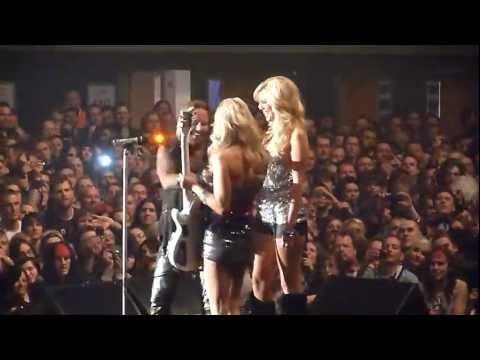 Mötley Crüe - Same Ol' Situation (S.O.S.) (live at Wembley Arena 14/12/2011)