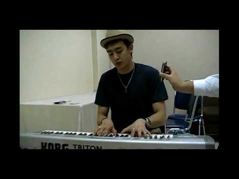 [Undisclosed clip]2PM NichKhun singing 'Nothing Better'