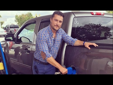 'Bachelor' Star Chris Soules Charged After Fleeing Fatal Car Crash Scene