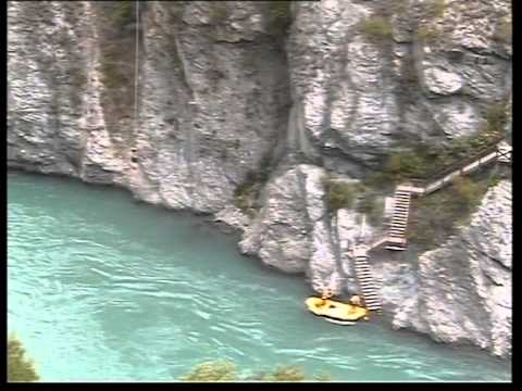 TJ's Attempt at a Soleman off the Kawarau Bridge in Queenstown