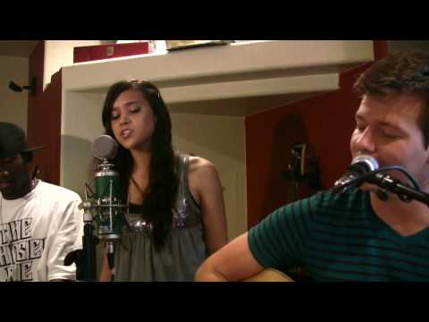 Love The Way You Lie (Tyler Ward Acoustic Cover) - Eminem (ft. Rihanna) - Music Video