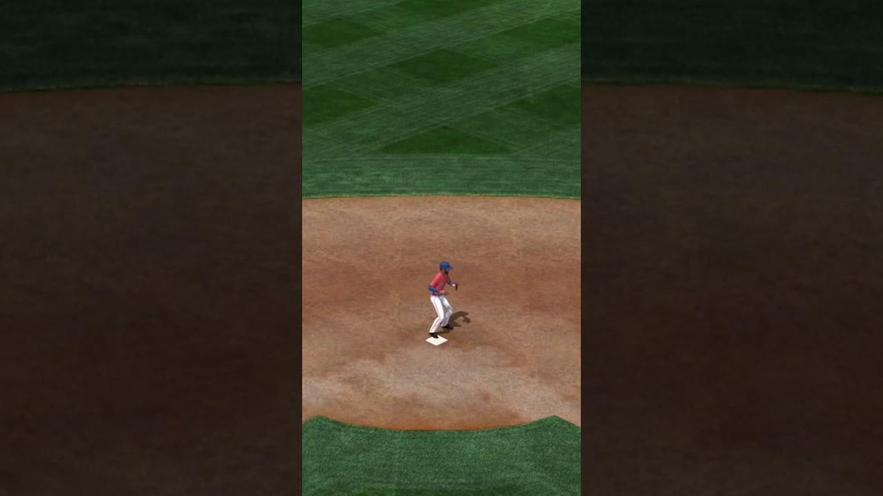 Play MLB TAP SPORTS BASEBALL 2017 on PC 2