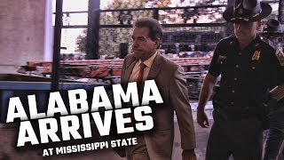 Watch Alabama arrive among Bulldog fans at Mississippi State University