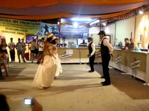 Baile del Chulla Quiteño - 100 x 100 latinos.