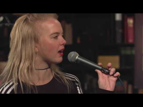 Dream Wife - Take It Back (Live on KEXP)