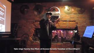 Tyler Joseph singing Stressed Out karaoke at a bar (FULL HD VIDEO!)