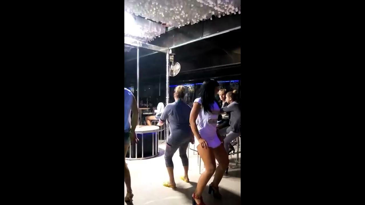 Развод девушек в клубе