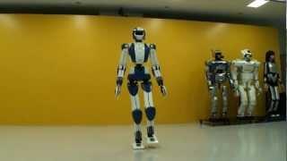 World's Top3 Humanoid Robots - Asimo vs HPR-4 vs NAO!