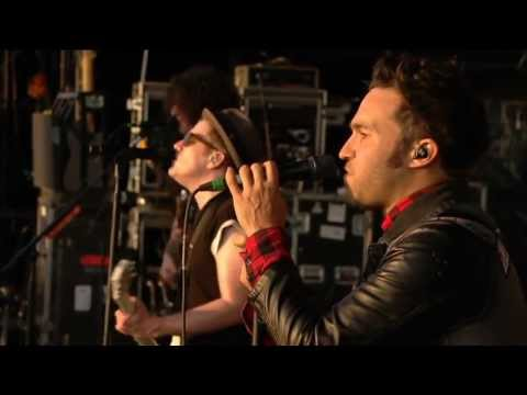 Fall Out Boy - Reading Festival (2013) (HQ, not HD)